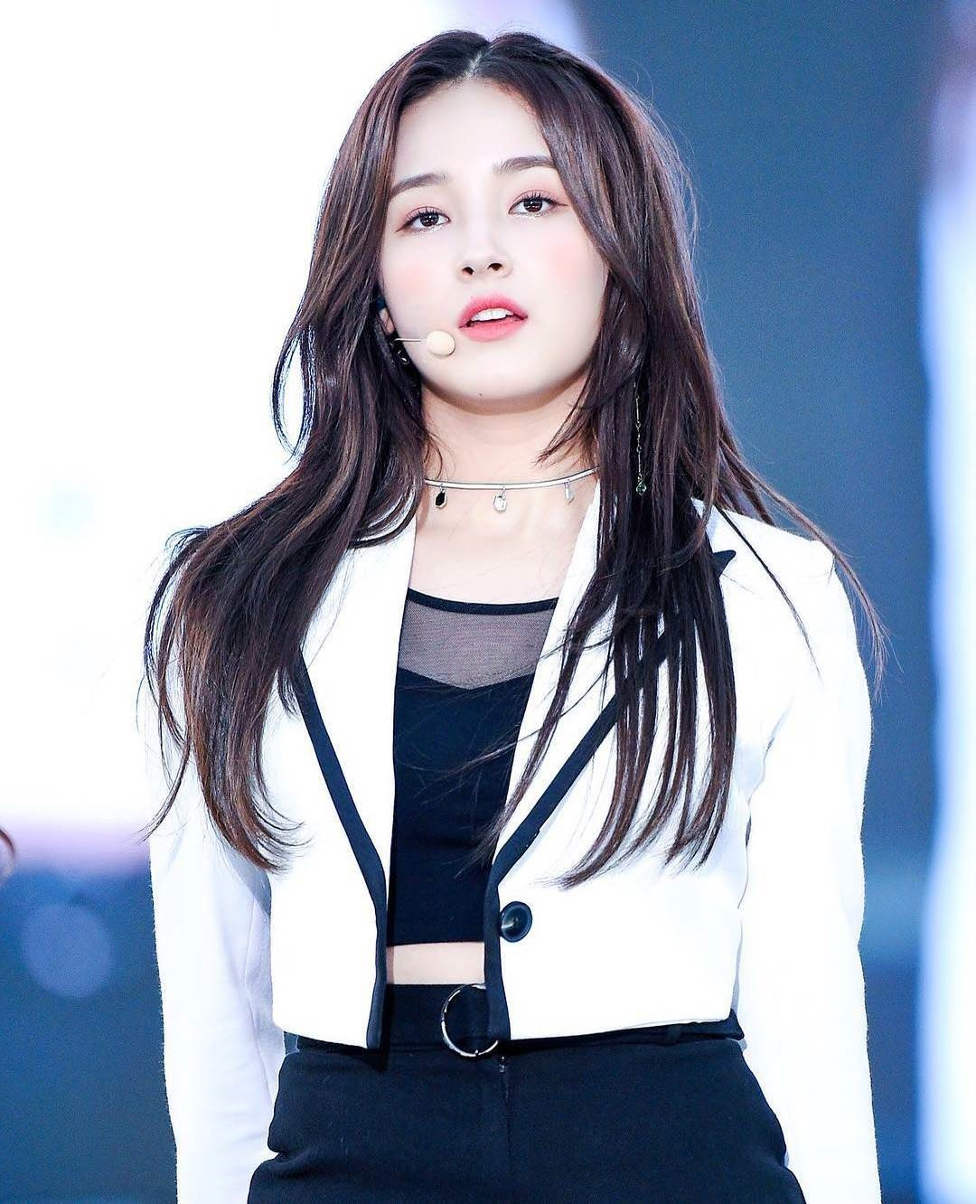 Nancy_Momoland_images_for_mobile