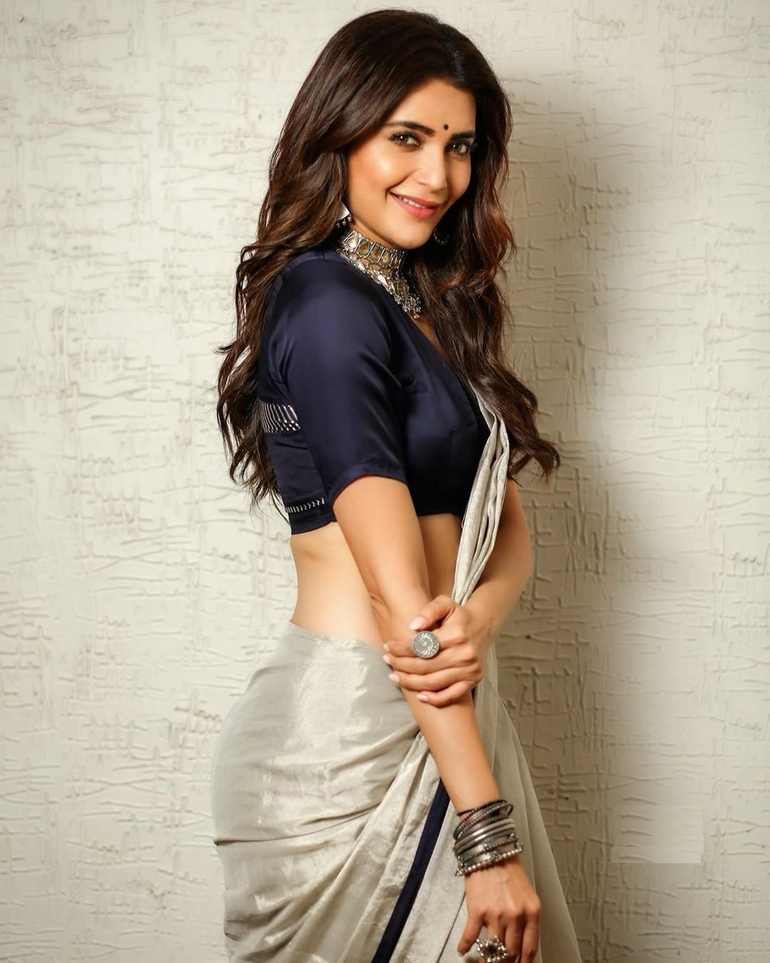 karishma_tanna_hot_in_saree